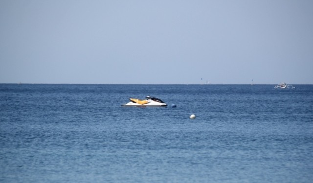 DIPERTANYAKAN: Jetski nangkirng di Perairan Amed.