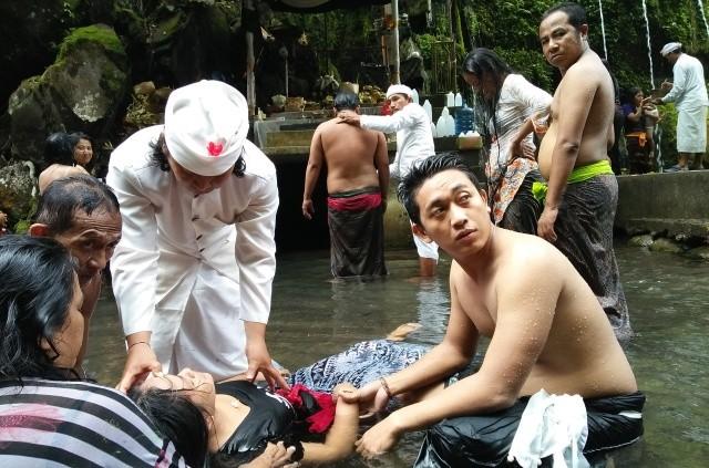 Panglukatan Tirta Sudamala untuk Karir, Rezeki, dan Kesehatan