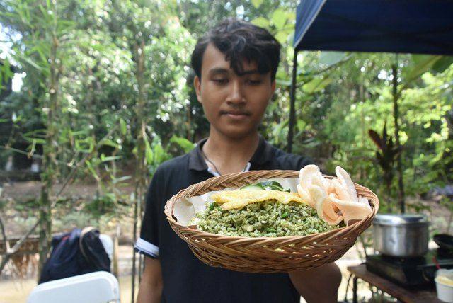 Ada Nasi Goreng Hijau di Tukad Bindu, Transaksinya Pakai Uang Kepeng
