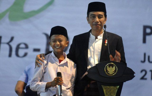 Jokowi Pejuang Hari Santri, bukan Santri Musiman!