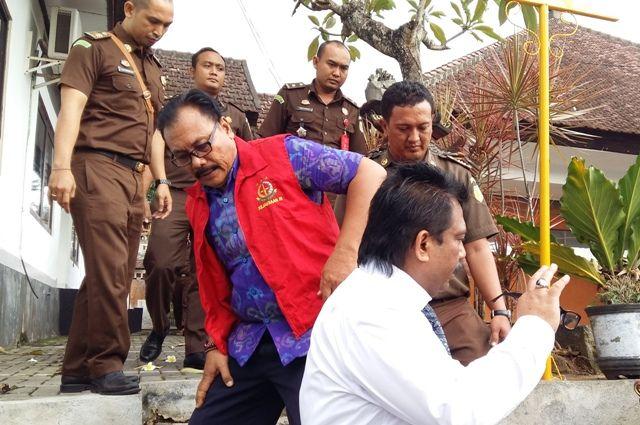 Ditahan dalam Kasus Korupsi, Gaji Catur Dipotong 50 Persen