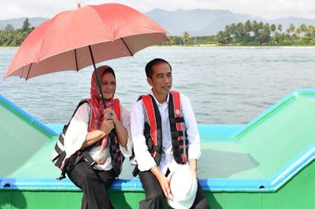 Kerja Cemerlang Jokowi Tarik Dukungan Pejabat Daerah