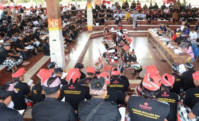 Sosialisasi Ranperda Desa Adat, Pecalang Diusulkan Dapat Tunjangan
