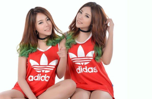 Punya Selera Sama, Duo Kakak Beradik Da Twins Kian 'Moncer'