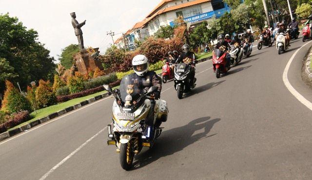 Kampanye  #Cari_Aman dan Ramaikan Honda Premium Matic Day