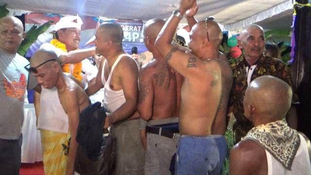 Karda Kembali ke DPRD Gianyar, 25 Warga Desa Laplapan Gunduli Kepala