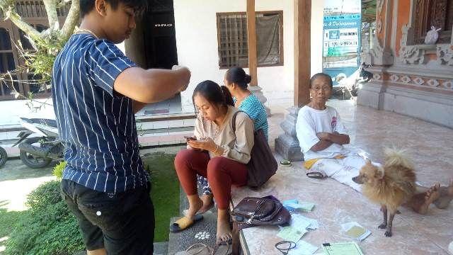 Satu Pelaku yang Hipnotis Pemangku Diamankan di Mapolsek Ubud