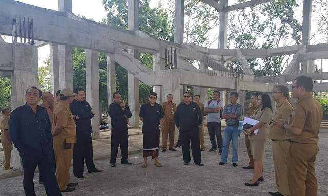 Komisi IV DPRD Tabanan Sidak GOR Debes, Minta Pasang Baliho Porprov