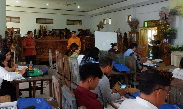 Puluhan Perajin Perak Desa Celuk Dilatih Prosedur Ekspor