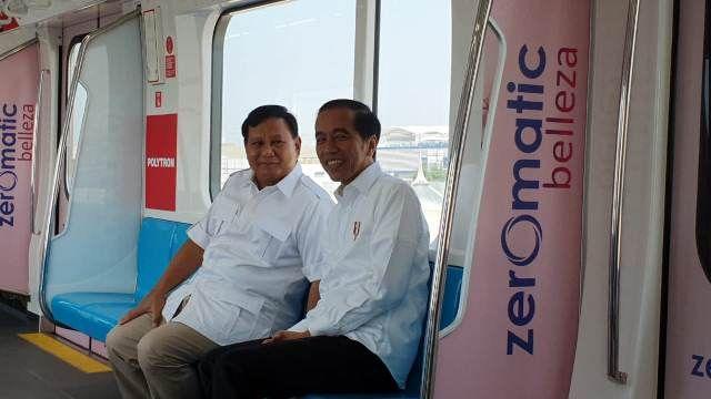 Sejarah Baru, Prabowo dan Jokowi Berada Dalam 1 Gerbong MRT