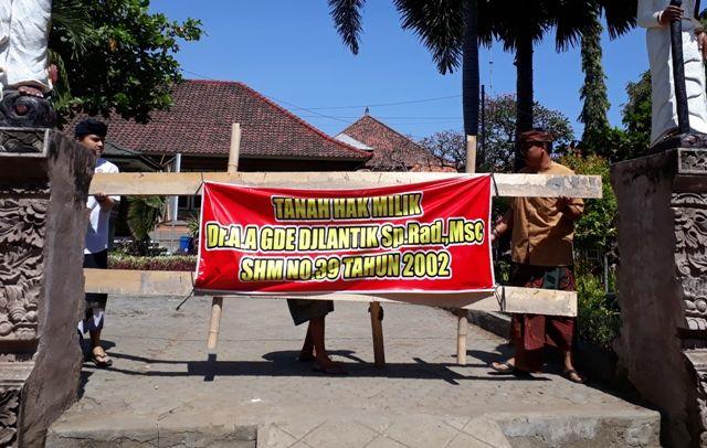 Blokir Dibuka, Puri Buleleng Minta Disbud Tak Parkir Sembarangan