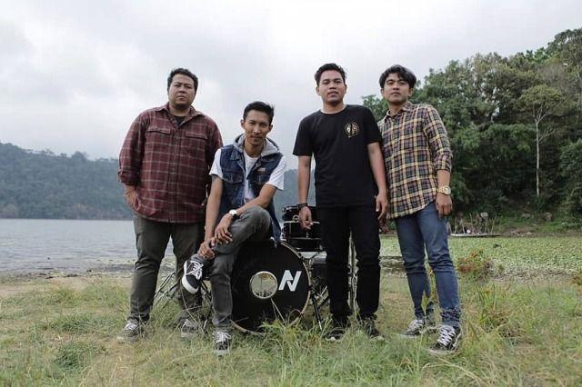 Cinta Avara Band Terbentur Kasta