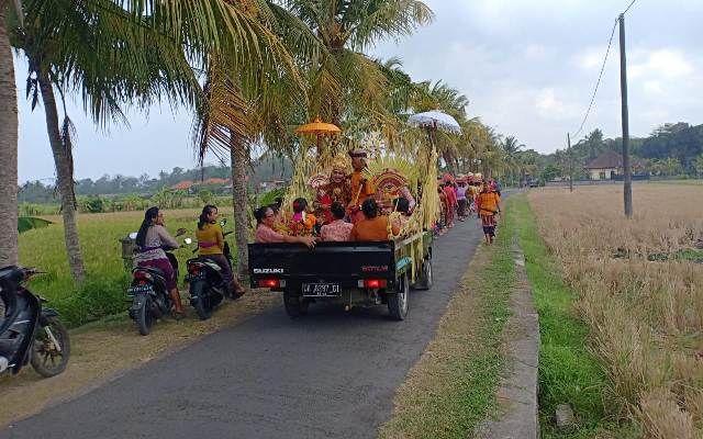 Ingin Pernikahan Berkesan, Jemput Mempelai Wanita Dengan Pick-up