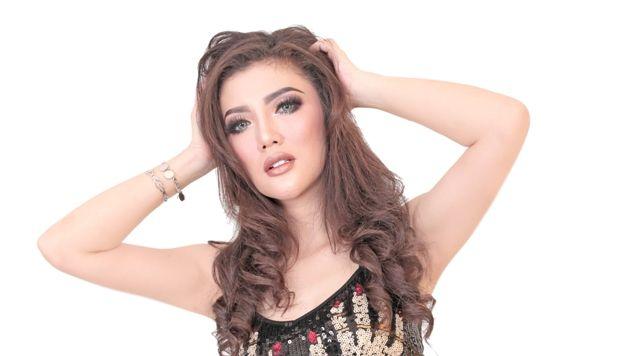 FDJ Ririn Olivia Suka Bali karena Keramahan, Masaiban, dan Kebaya
