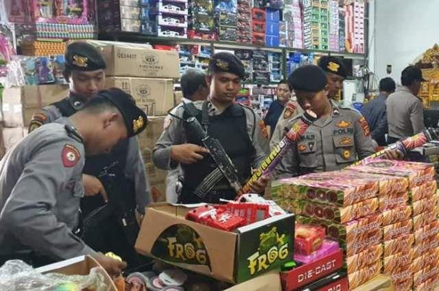 Satgas Ops Cipkon Sidak Penjual Kembang Api di Tabanan