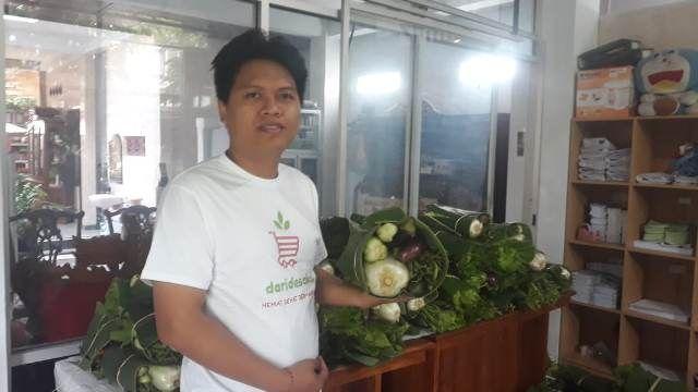 Beli Sayur di Petani Lokal, Dibagikan Kepada yang Membutuhkan
