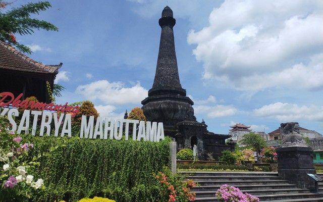 Perayaan Tahun Baru, Suwirta Tutup Lapangan dan Monumen Puputan