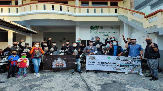 Komunitas Honda PCX Indonesia Serahkan Bantuan Korban Bencana NTT