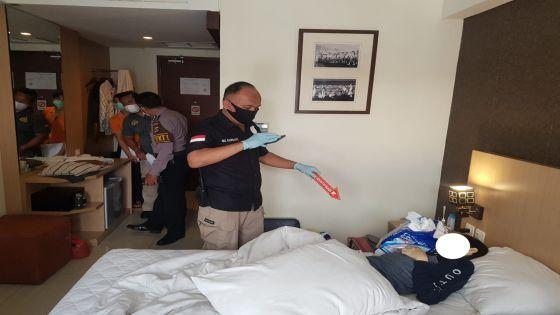 Seminggu Tidak Keluar, Pria Paruh Baya Terbujur Kaku di Kamar Hotel