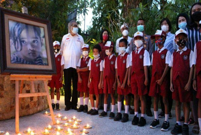 Peringatan Tragedi Angeline Diwarnai Nyala Seribu Lilin