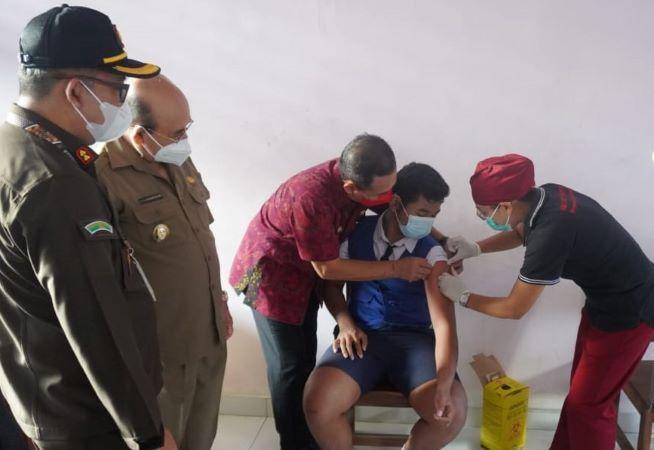 41 Ribu Orang Terima Vaksin Usia 12-17 Tahun di Karangasem
