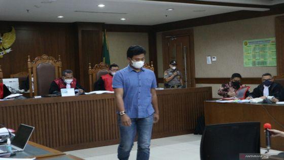 Kasus Suap (2) : Wakil Ketua DPR Azis Disebut Sebagai Bapak Asuh