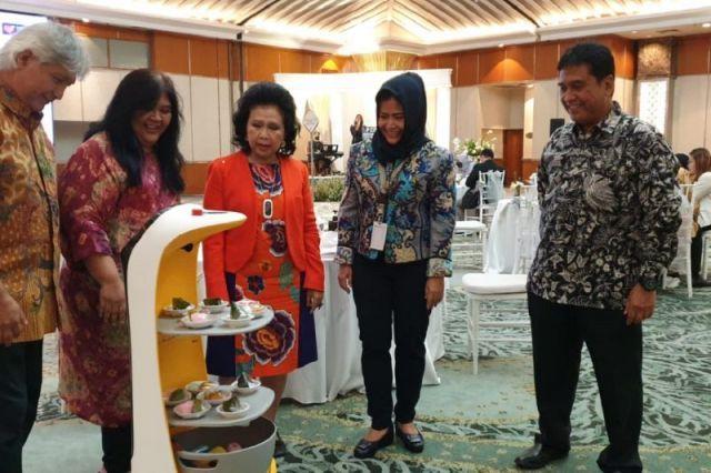 Hotel Sahid Jaya mulai Gunakan Teknologi Robot Penyaji Makanan