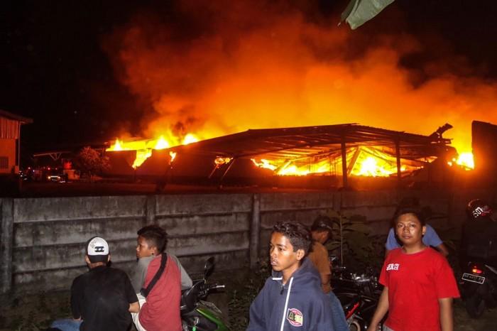 Foto-Foto Kebakaran Pabrik PT Duta Merlin Dunia Tex Sukoharjo