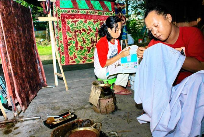 Batik Tak Melulu soal Bisnis