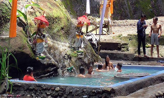 gitgit hotspring, objek wisata, libur akhir tahun, pariwisata buleleng, dispar buleleng