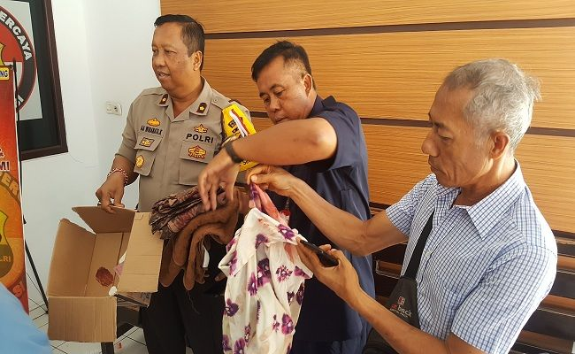 pembuang bayi, bayi dalam kardus, geger temuan bayi, bayi laki-laki, Polres Buleleng, Polsek Singaraja, TPA Lila Hita,