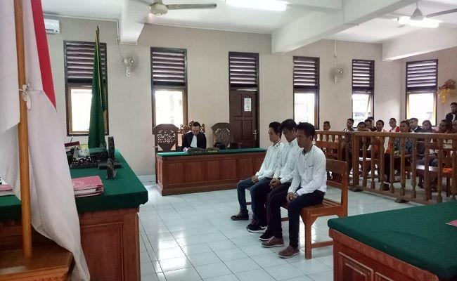 trio sumenep, lolos hukuman mati, tuntutan narkoba, sabu sekilo, PN Denpasar, Kejati Bali,