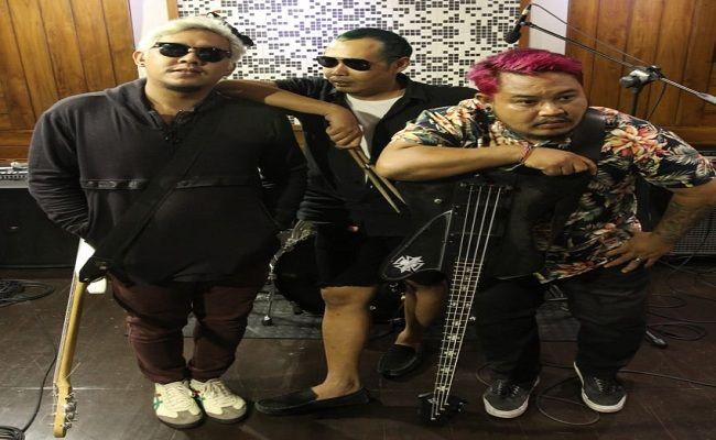 Dr.OTW, band Indie, rock n roll, blantika musik Indonesia, album perdana,