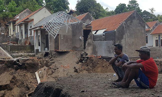 hujan lebat, perumahan subsidi, diterjang banjir, perbekel suwug