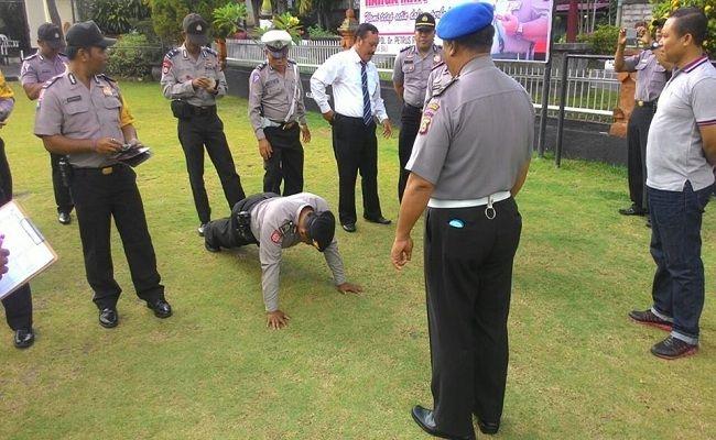 Gaktiplin, Polres Klungkung, sanksi disiplin, hukum push up,