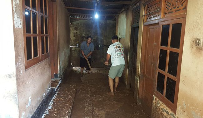 hujan lebat, banjir bandang, rumah hancur, ternak hanyut, bpbd buleleng