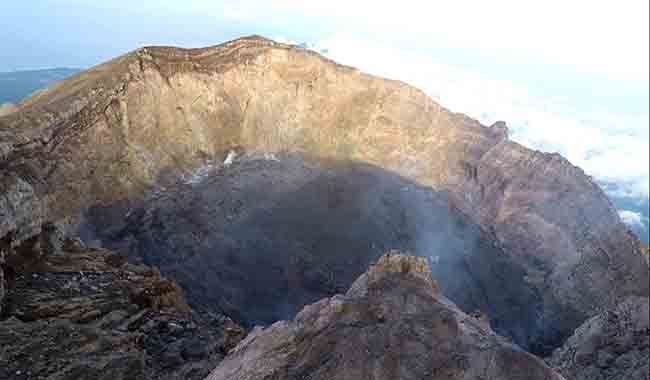 erupsi gunung agung, kawah gunung agung, pascaerupsi besar, volume kawah, pvmbg ri