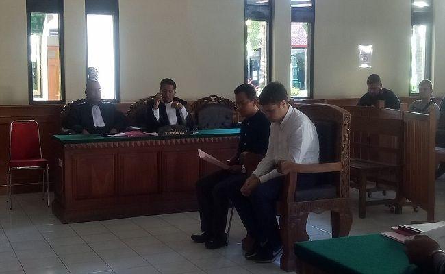 penyelundup orang utan, WNA Rusia, sidang perdana, PN Denpasar, terancam 5 tahun,