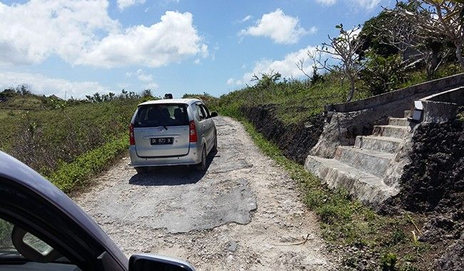 infrastruktur jalan, pelebaran jalan, jalan nusa penida, bupati suwirta, pelepasan lahan