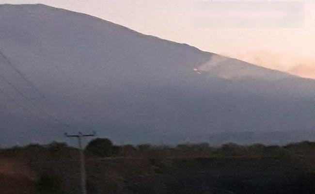 lereng gunung terbakar, kebekaran lereng gunung, gunung agung, api masih menyala, bpbd bali