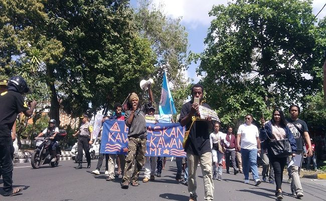 mahasiswa papua, tolak nkri, papua merdeka, tolak diskriminasi, mahasiswa papua demo, polresta denpasar