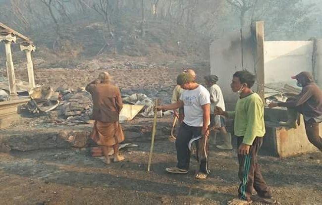 kebakaran hutan, hutan lindung, gunung agung, isolir api, parit isolir api, bpbd karangasem