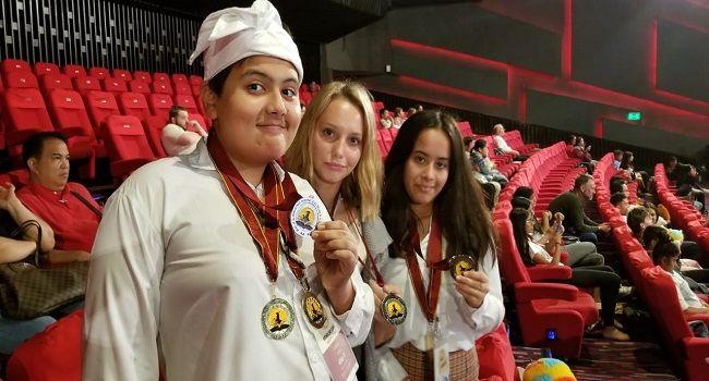 10 medali emas, 10 medali perak, global world scholars cup, bali island school