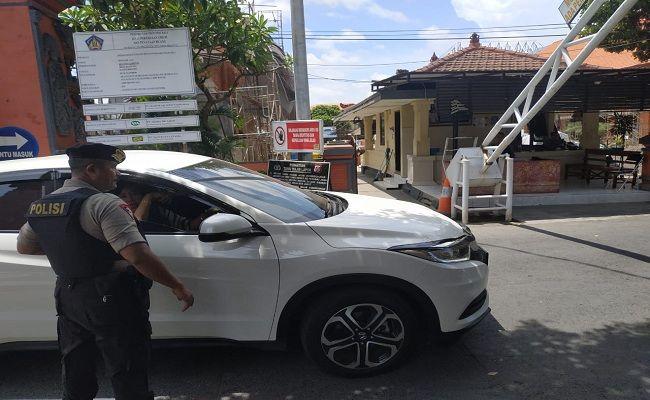 Bom Polrestabes medan, transportasi online, Polda Bali, Ojol dilarang masuk, perketat penjagaan, bom bunuh diri, aksi teror,