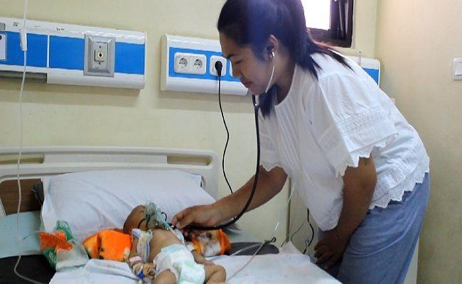 bayi putu dita, bayi kelainan jantung, jantung bocor, KK miskin, terkendala biaya, Pemkab Karangasem, RSUD Karangasem, RSUP Sanglah Denpasar, terkenda