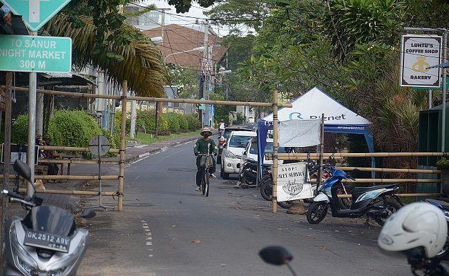 wabah corona, pandemi covid-19, pantai sanur, turis masuk pantai, gtpp covid-19 denpasar