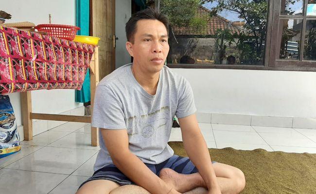 Perbekel Satra, I Dewa Putu Oka Arsana saat ditemui di kediamannya, Minggu (9/8/2020)
