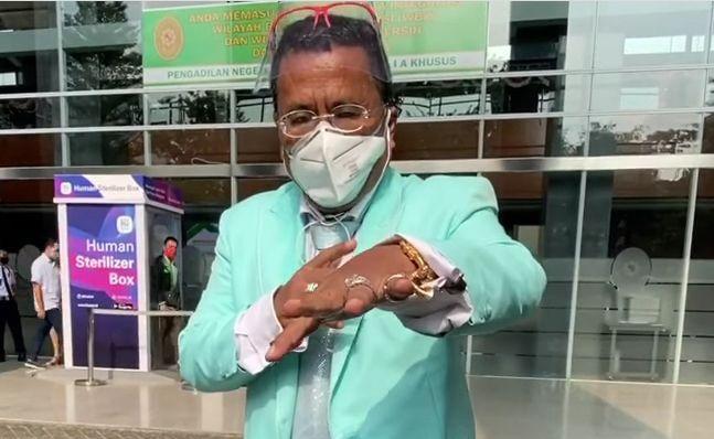 Hotman Paris dalam unggahan videonya yang menyarankan jalan damai antara IDI Bali dan JRX
