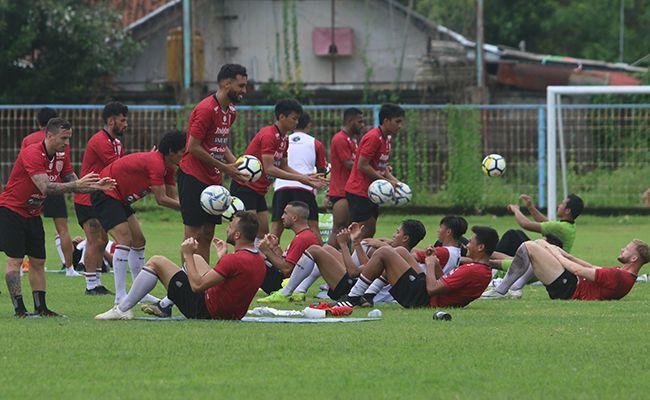 bali united, liga 1, 35 pemain, kerja keras, pemain starter, coach teco