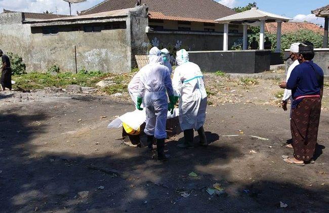 pandemi covid-19, hampir sebulan dirawat, pasien covid meninggal, meninggal dunia, sawan buleleng, satgas covid-19 buleleng
